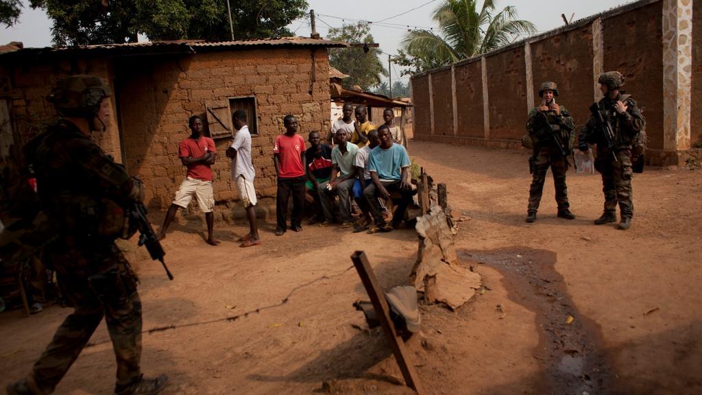 Čadské jednotky střeží obydlenou čtvrť v Bangui