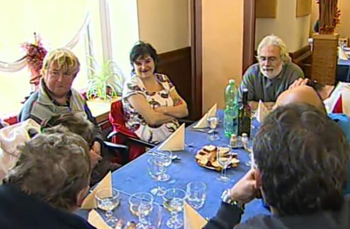 Charitativní oběd pro lidi bez domova