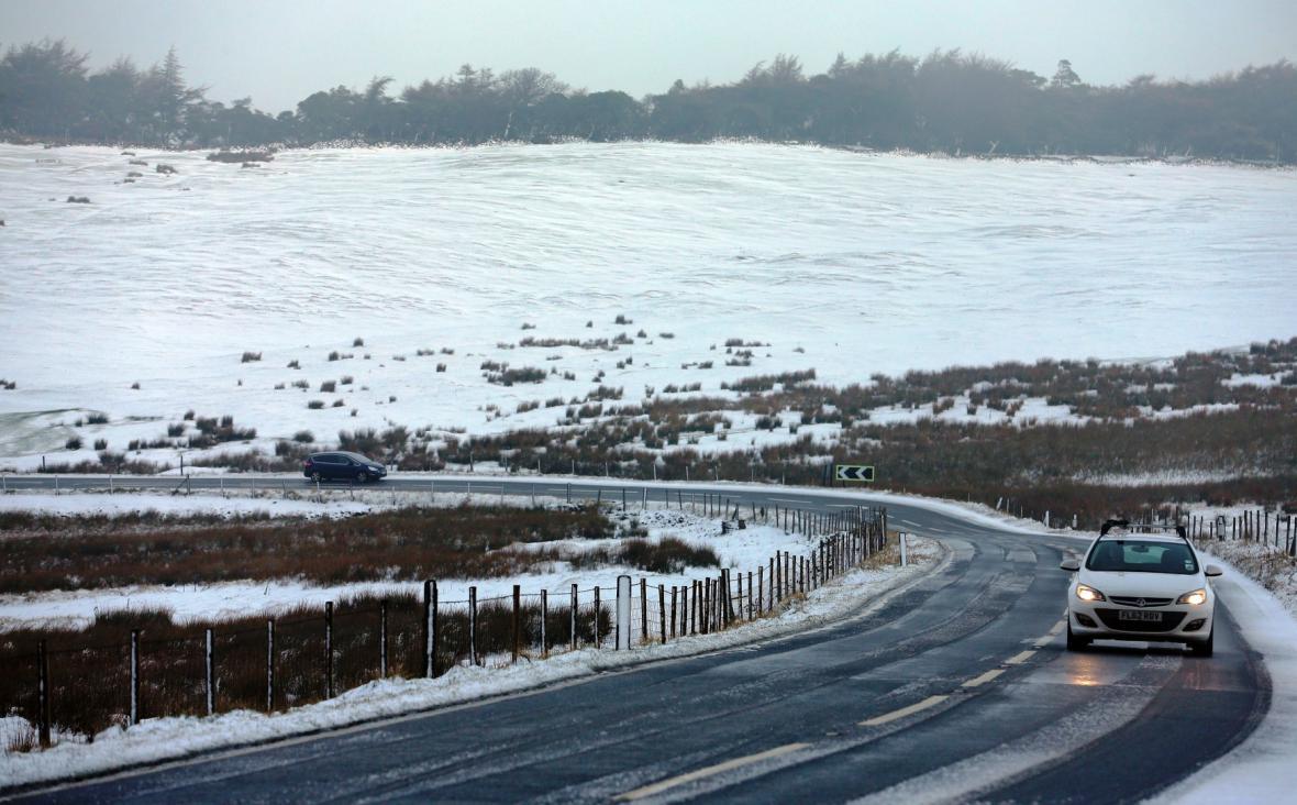Sníh v anglickém hrabství Derbyshire