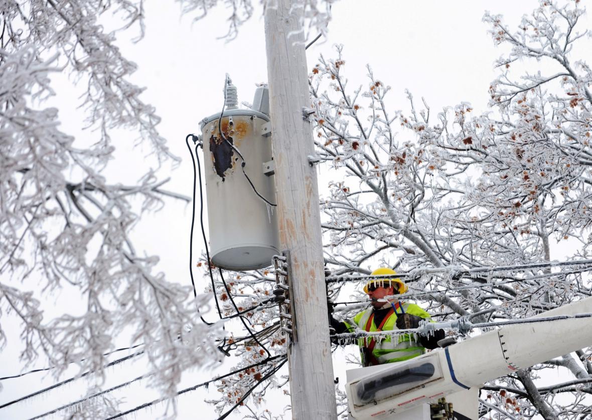 Následky sněhové bouře ve městě Lansing v americkém Michiganu