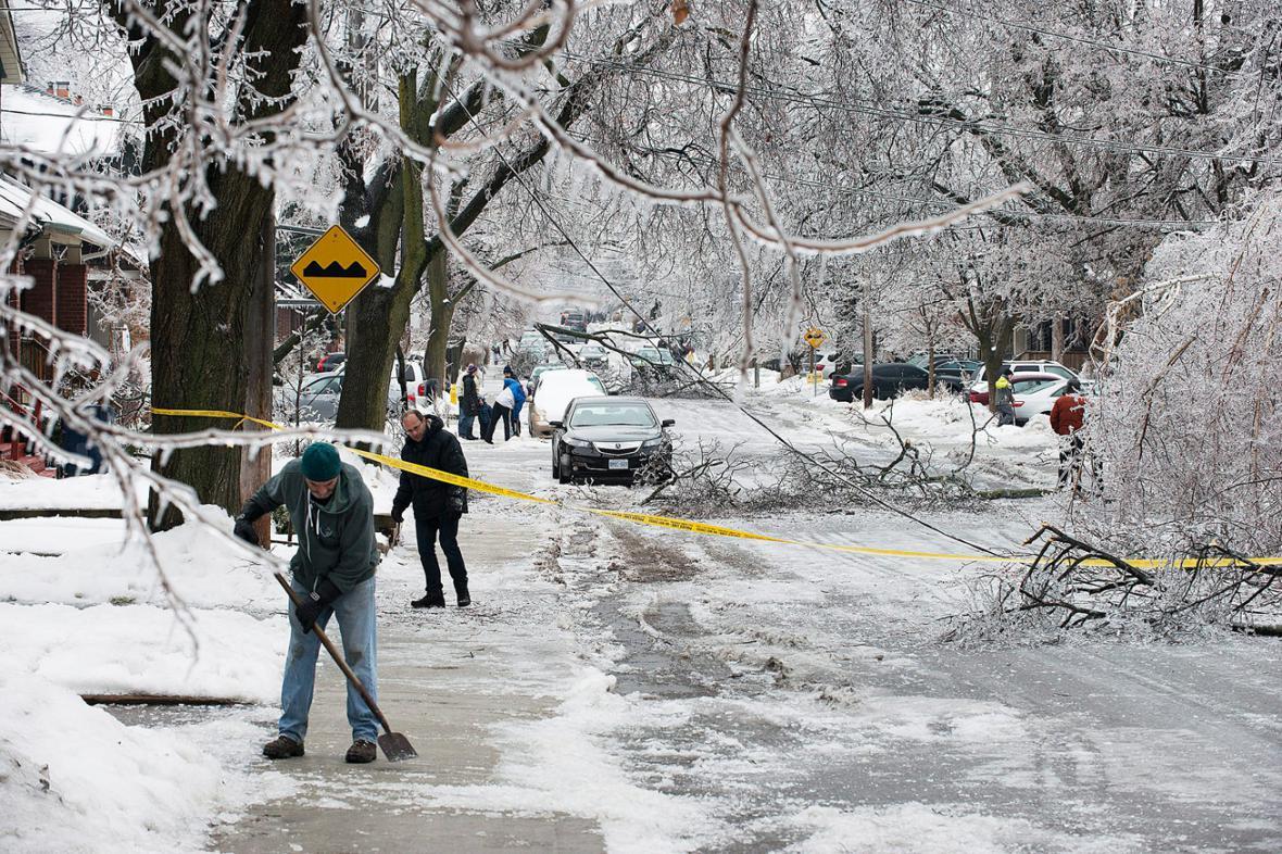 Následky sněhové bouře v Kanadě