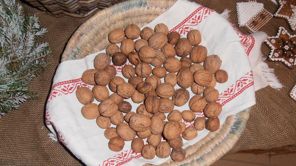 Ošatka s ořechy na výstavě Staropražské Vánoce