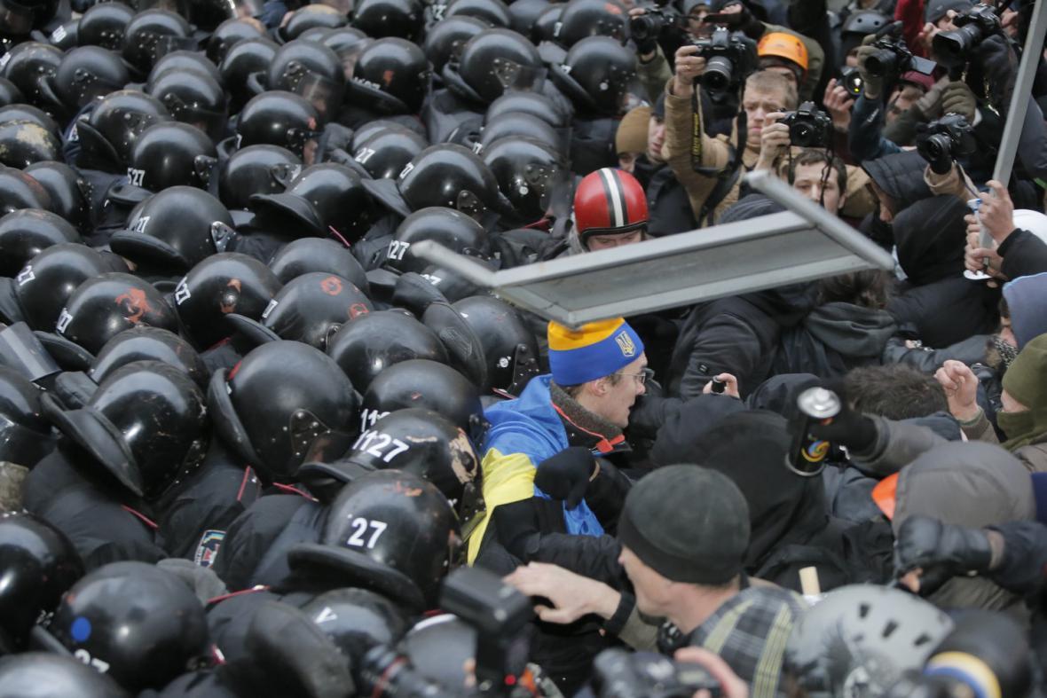 Masivní demonstrace v Kyjevě