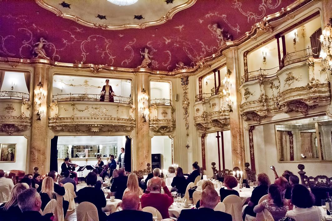 Večeře s Mozartem / Taneční sál Boccaccio