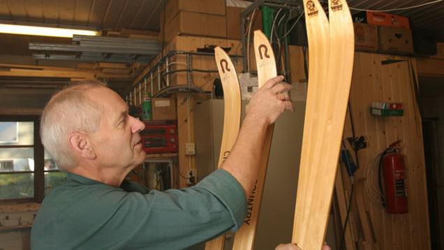 Dřevěné lyže
