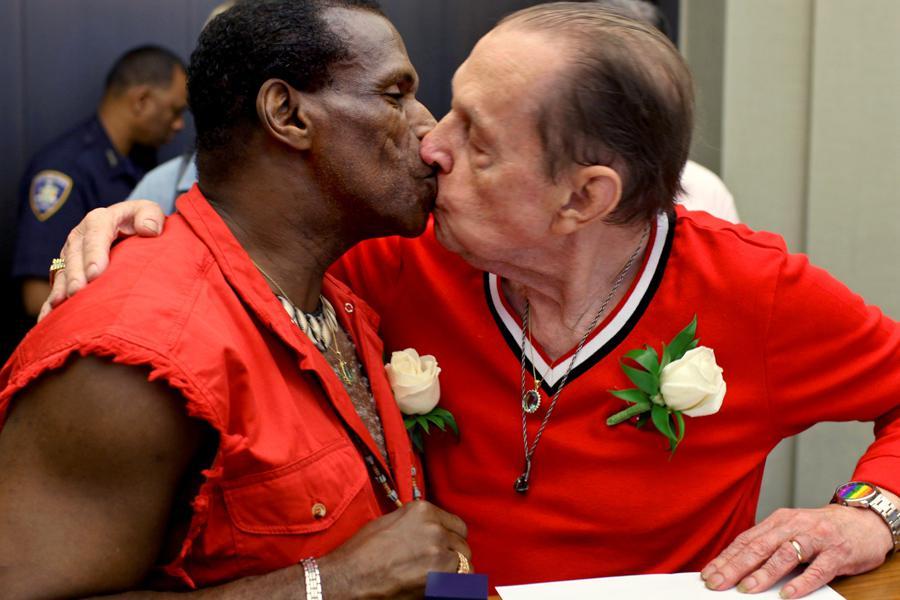 Sňatek homosexuálů v USA