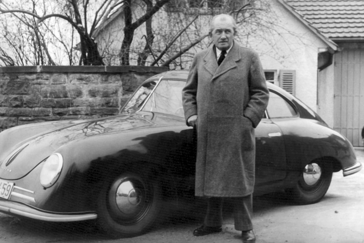 Ferdinand Porsche na fotografii z roku 1950