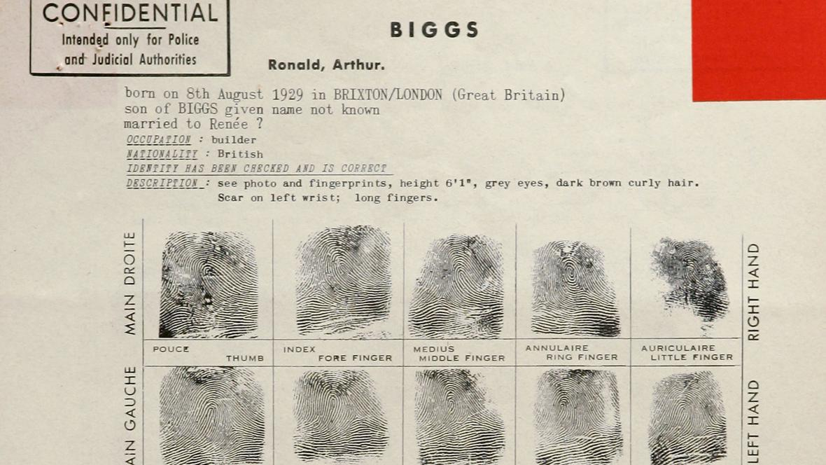 Zatčení Ronnie Biggse (Velká vlaková loupež)