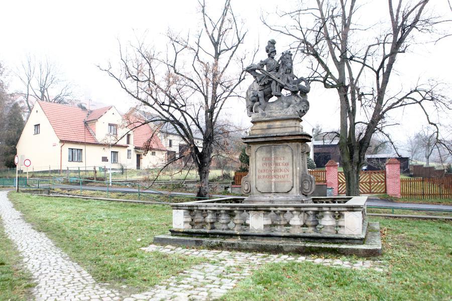 Socha sv. Jiří v Horním Jiřetíně