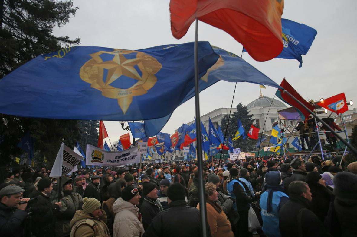 Příznivci prezidenta Janukovyče demonstrují v Kyjevě