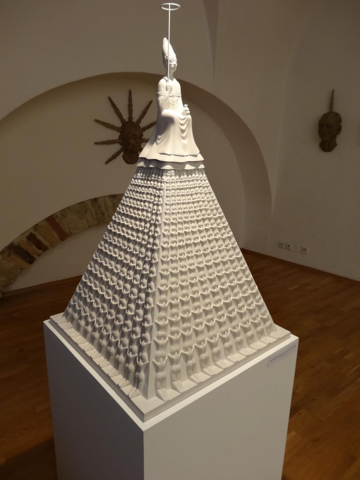 Martina Hozová / Pozemská adorace, 2003