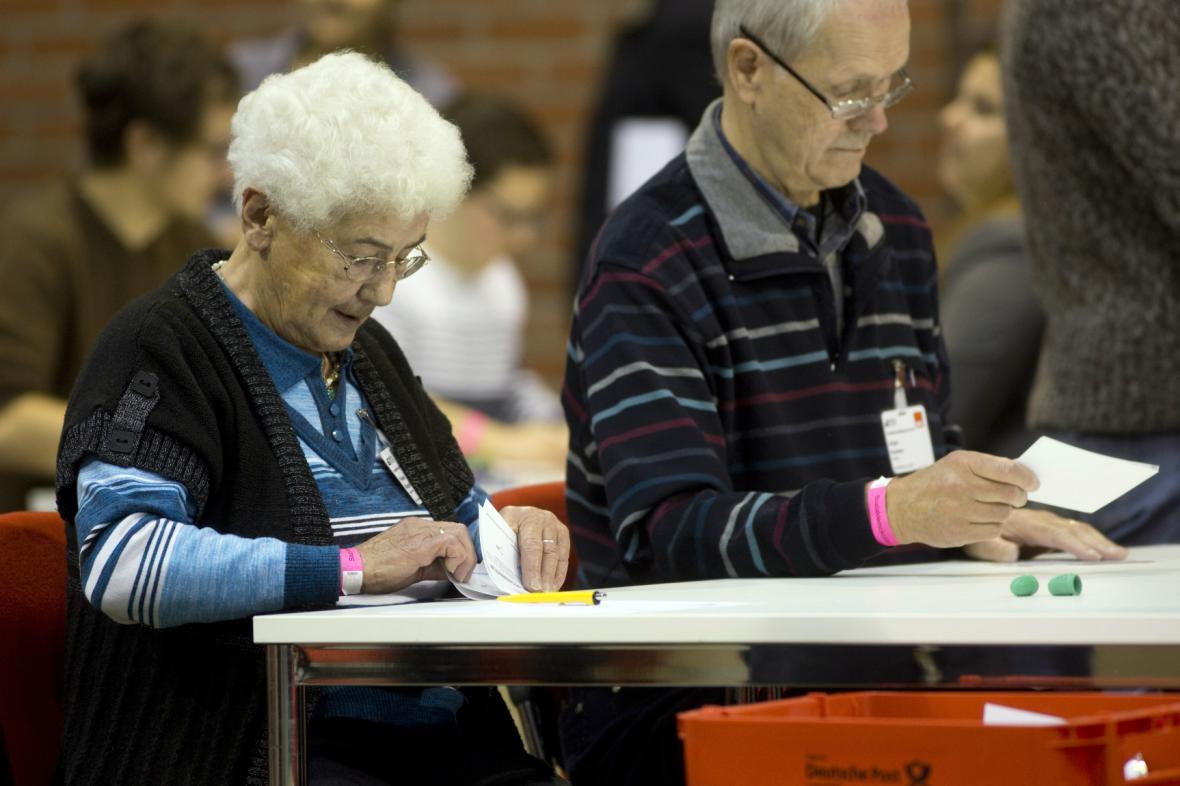 Členové SPD hlasují v referendu o vládní koalici