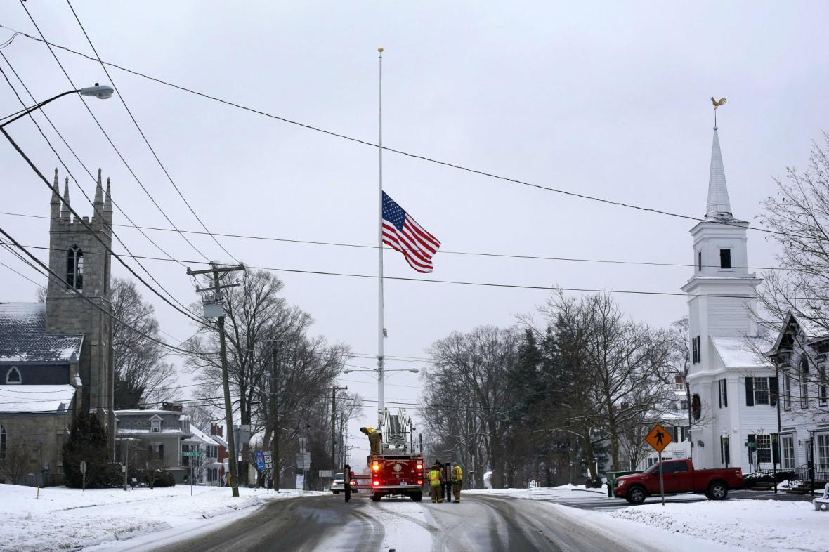 USA si připomínají rok od střelby v Newtownu