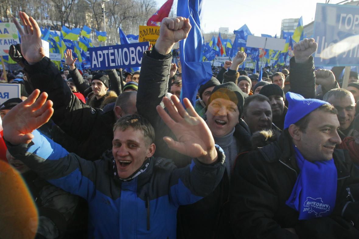 Janukovyčovi příznivci v centru Kyjeva