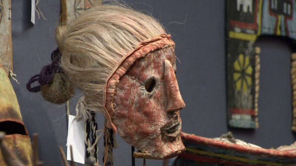 Posvátná maska kmene Hopi