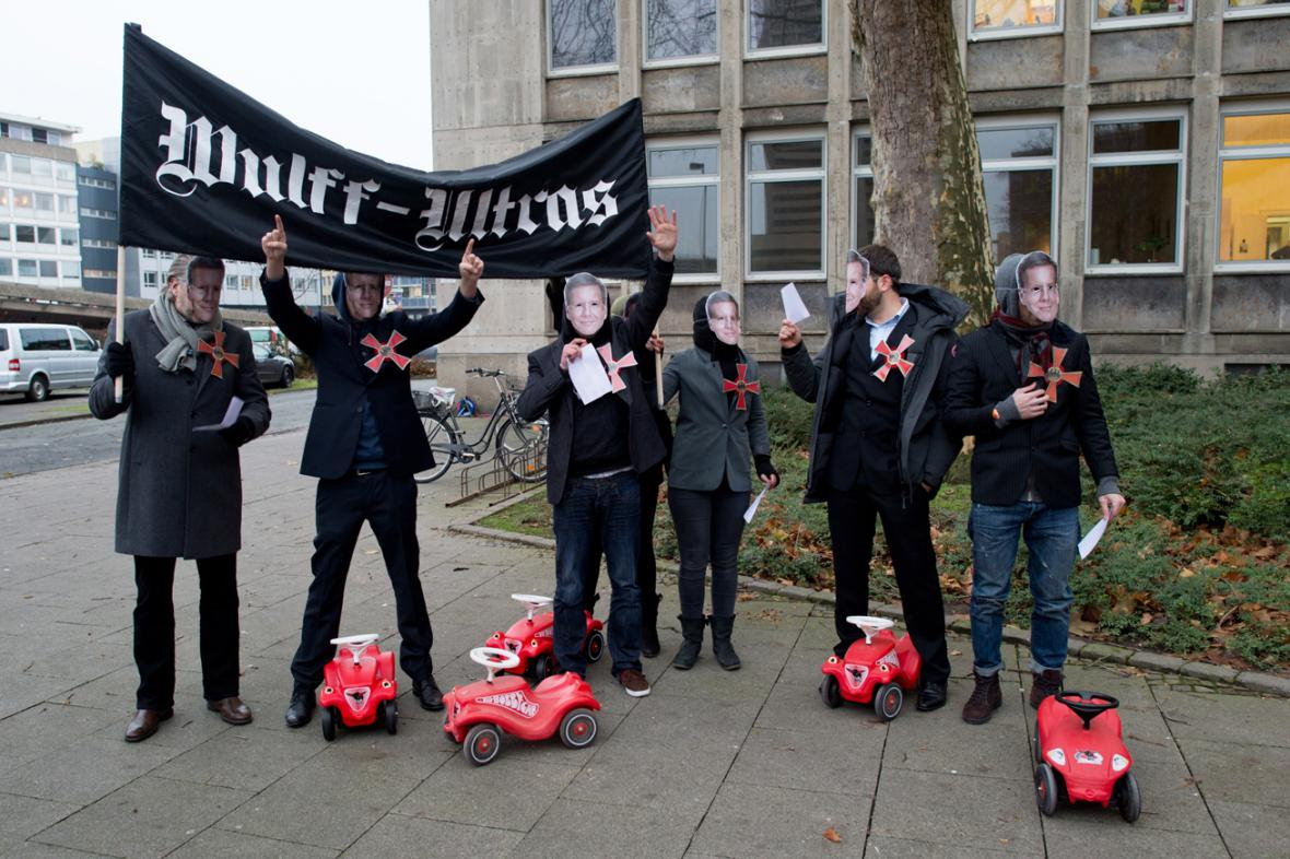 Manifestace skupinky Wulff-Ultras