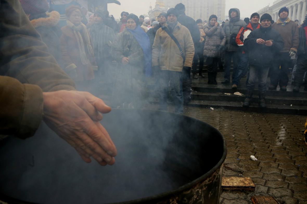 Účastníci protestu v centru Kyjeva