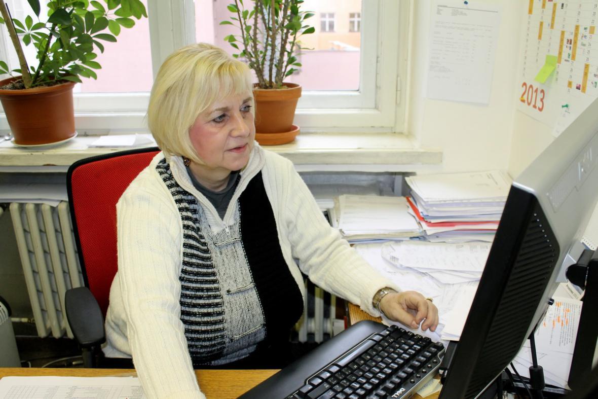 Darina Levová ve své kanceláři