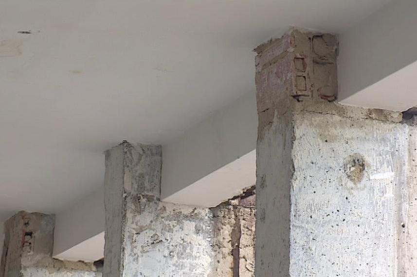 Budova měla narušenou statiku