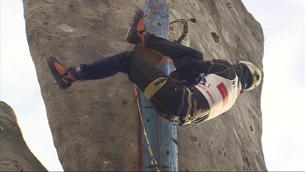 Milovníci zimního lezení byli na stěně ve svém živlu