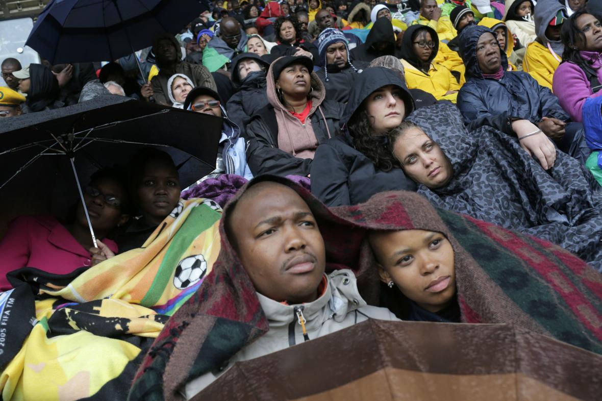 Jihoafričané se loučí s Nelsonem Mandelou