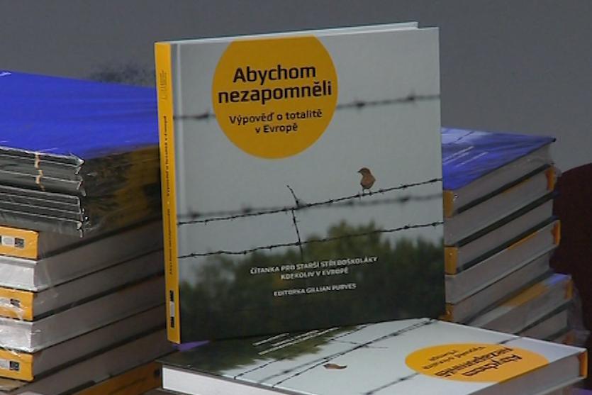 Kniha letos vyšla v češtině