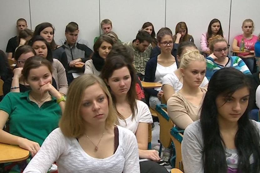 Studenty povídání o totalitě zaujalo