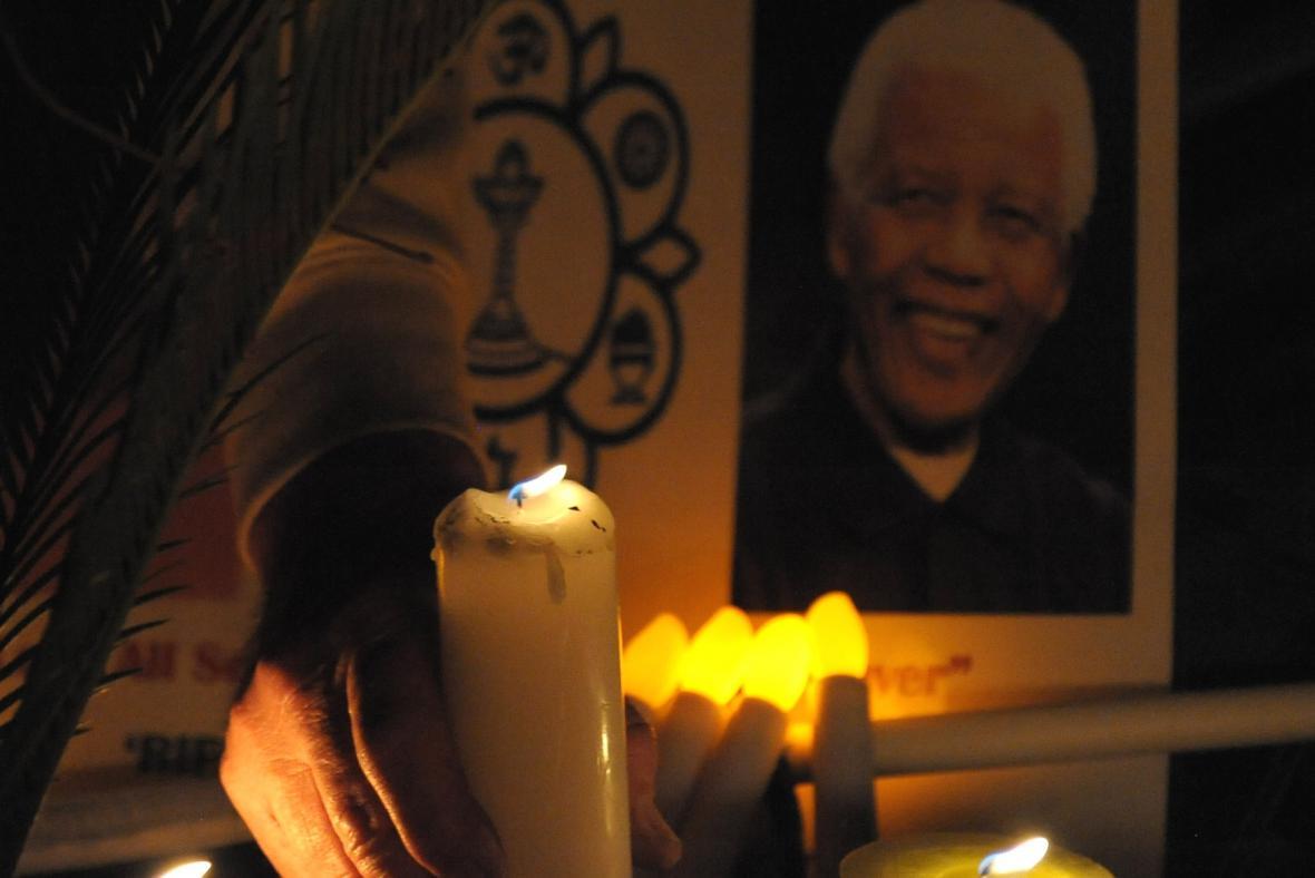 Smutek za Nelsona Mandelu