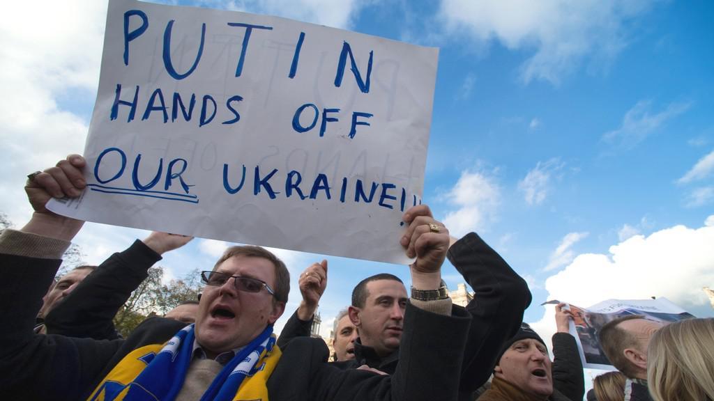 Protesty proti ukrajinské vládě v Británii