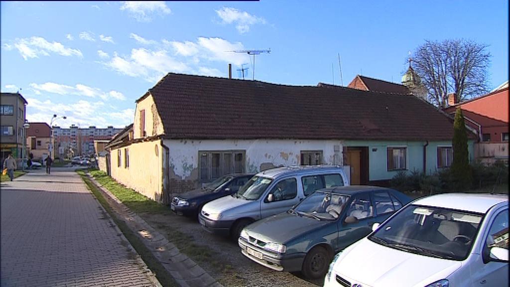 Z původních domků zbyl v centru Veselí nad Moravou už jen zlomek