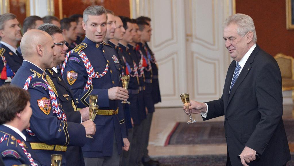 Prezident přijímá vedení Hradní stráže