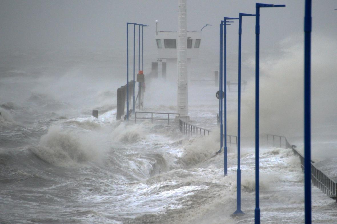 Severní moře rozbouřené orkánem Xaver
