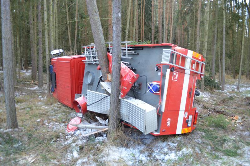Nehoda hasičského auta u Příbrami