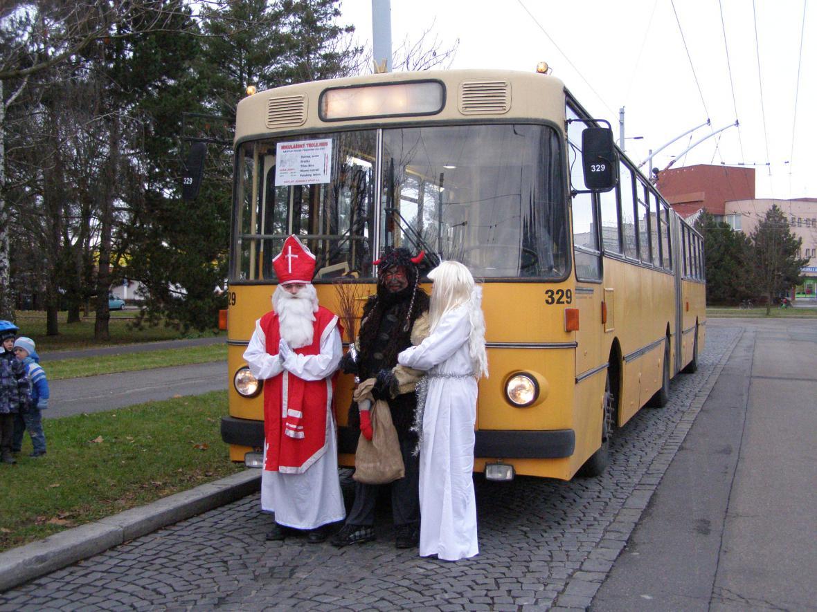 Mikulášský trolejbus v Pardubicích