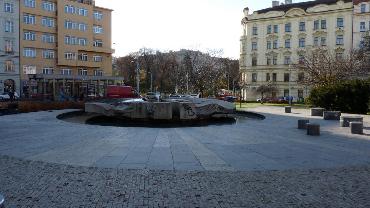 Fontána na náměstí Jiřího z Poděbrad
