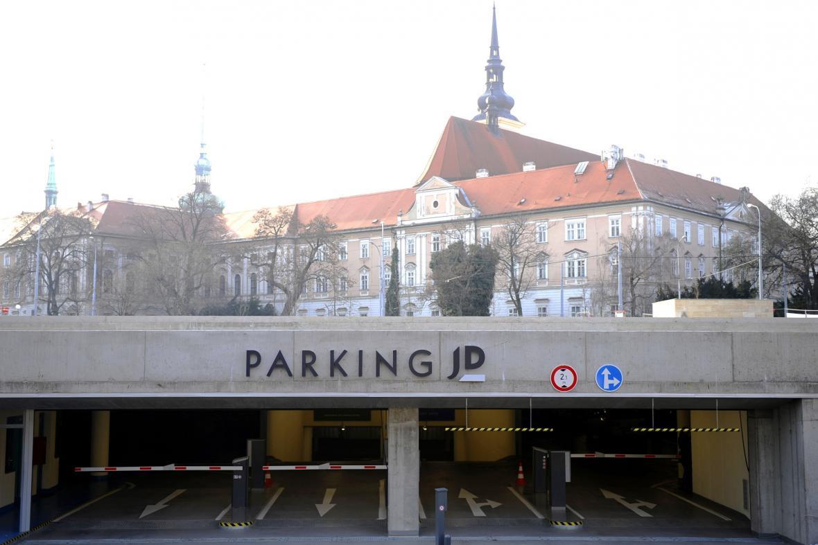 Podzemní parkoviště před Janáčkovým divadlem