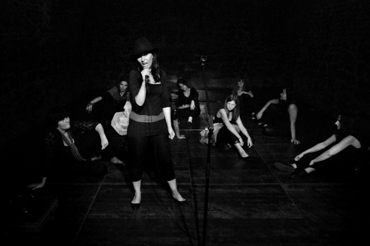 Samodiva/divadelní blues pro sólo matky