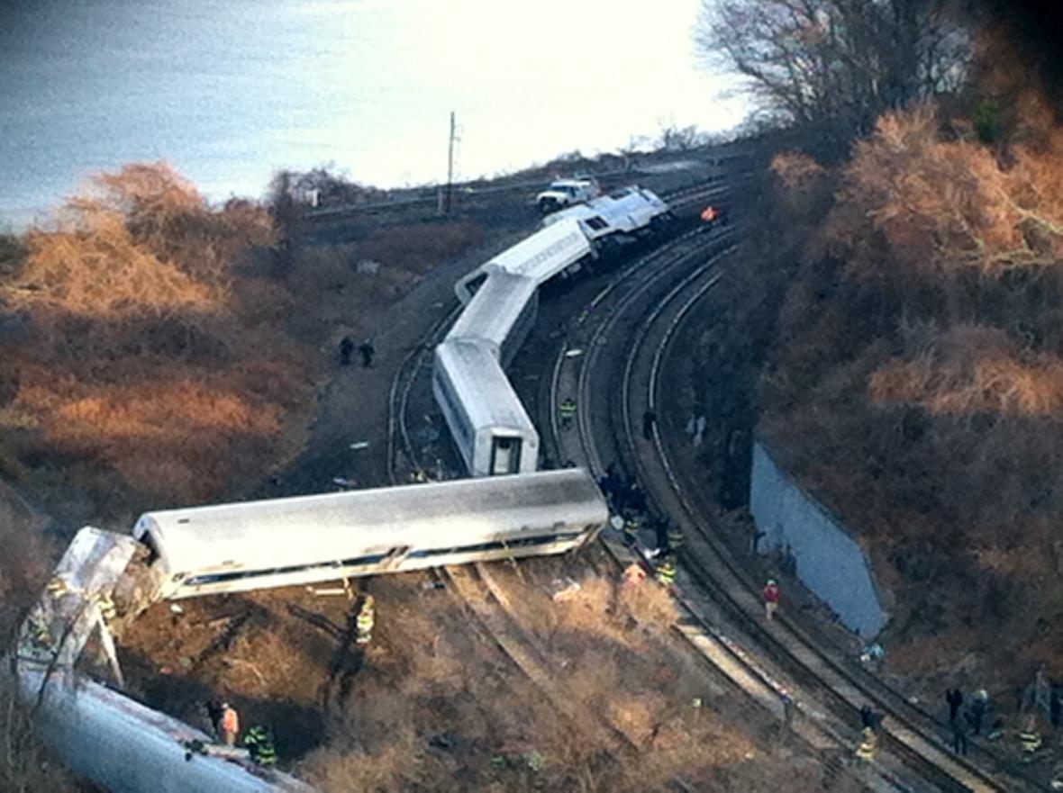 Vykolejený vlak v newyorském Bronxu