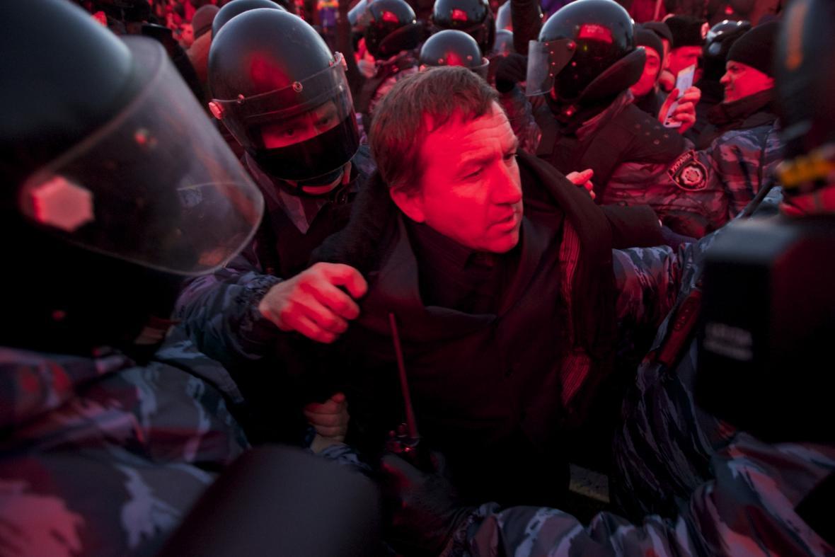 Potlačení demonstrace v Kyjevě