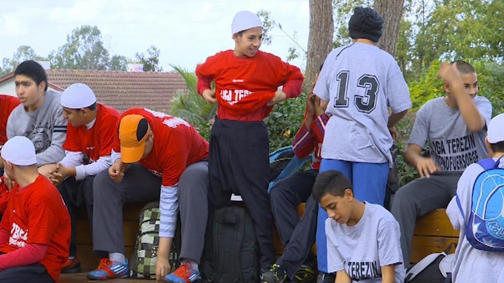 Hráči si připomínají terezínské fotbalisty