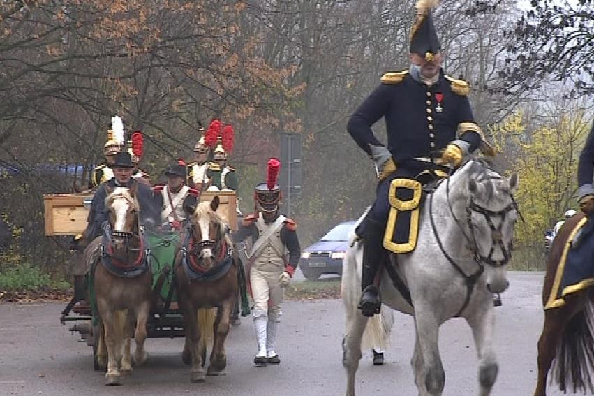 Napoleonští vojáci převezli obraz k Mohyle míru