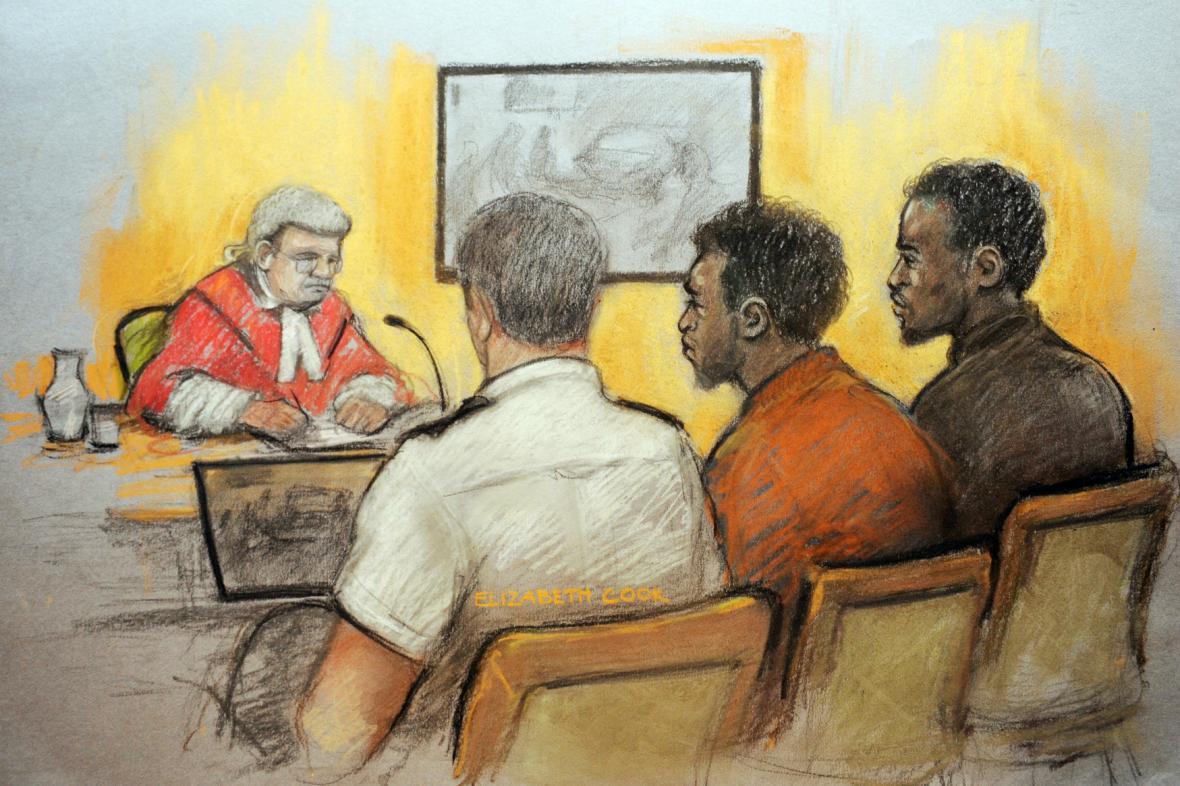 Muži obžalovaní z vraždy vojáka Rigbyho před soudem