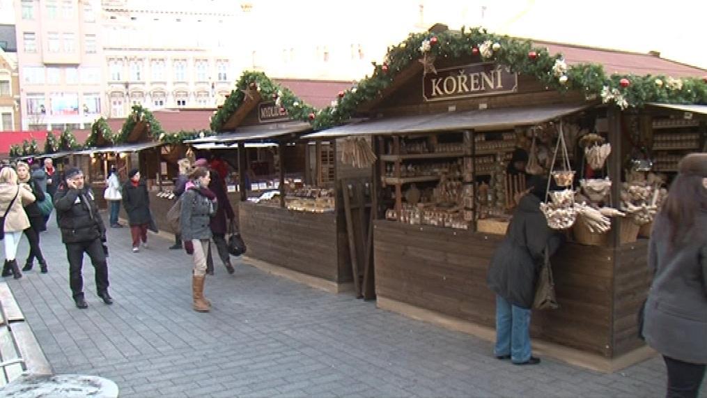 Vánoční trhy v Brně jsou podle inspektorů bez problémů