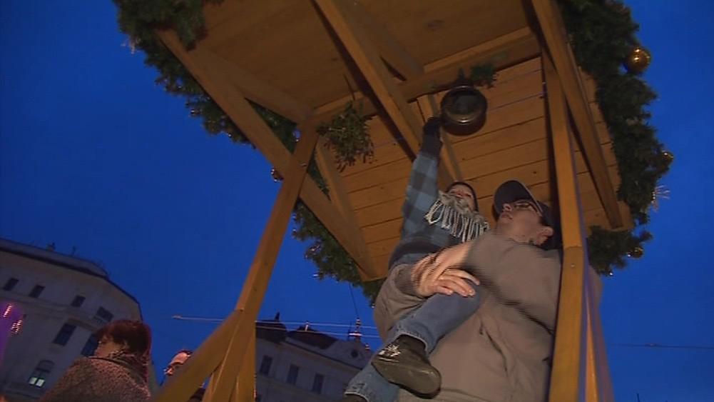 Na náměstí Svobody nesmí chybět vánoční zvoneček pro děti