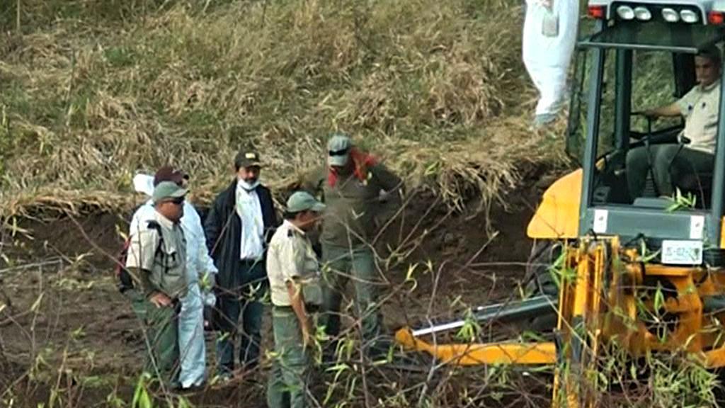 Mexické úřady pátrají po hromadných hrobech