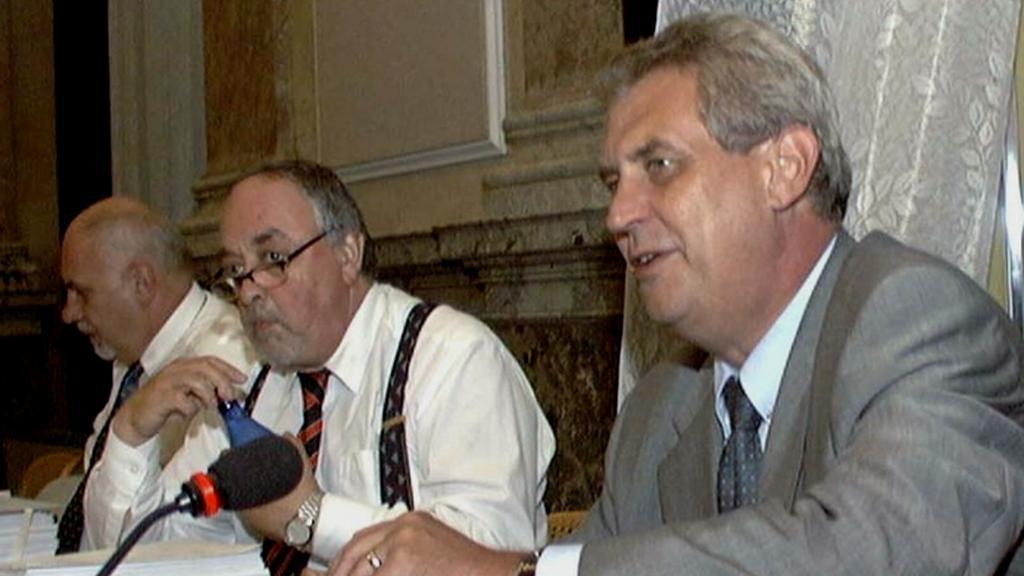 Egon Lánský po boku Miloše Zemana