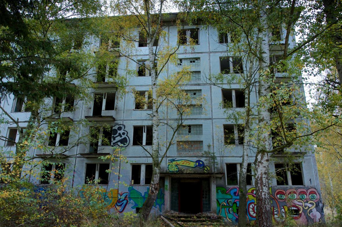 Opuštěné domy po ruské armádě v Milovicích