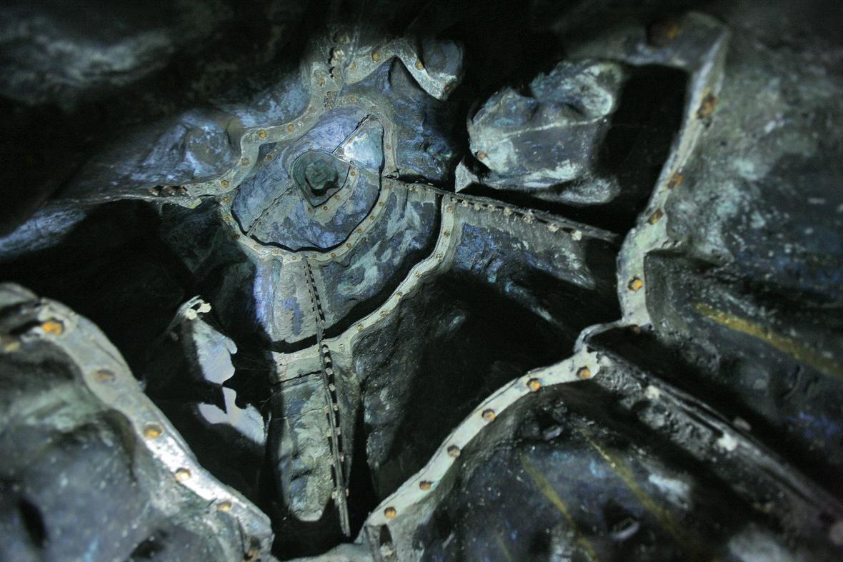 Pomník mistra Jana Husa / vnitřek skulptury