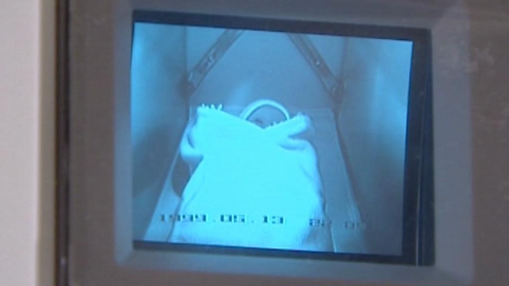 Kamerový záznam z babyboxu