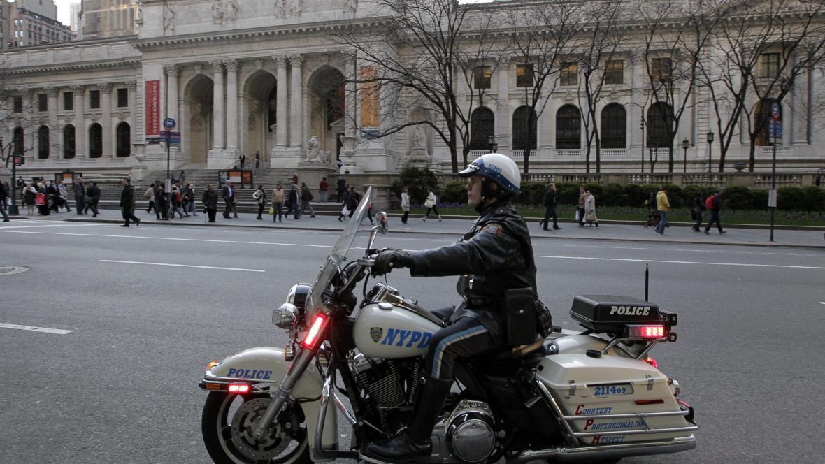 Policie hlídkuje v New Yorku